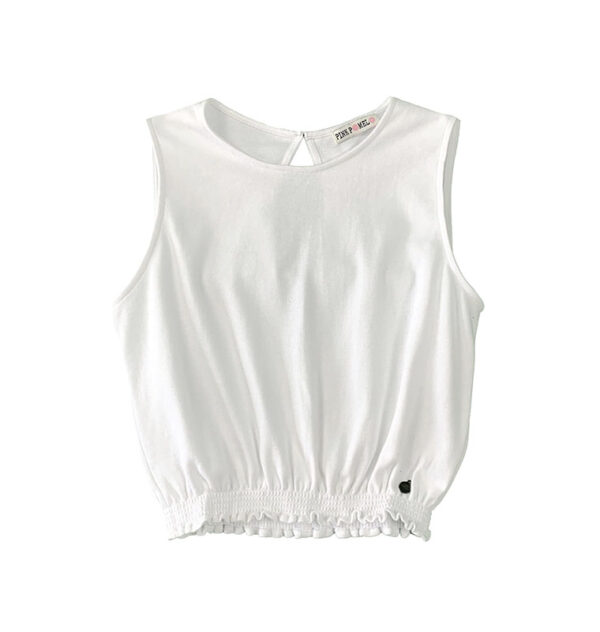 top corto color blanco fruncido en el bajo y sin mangas